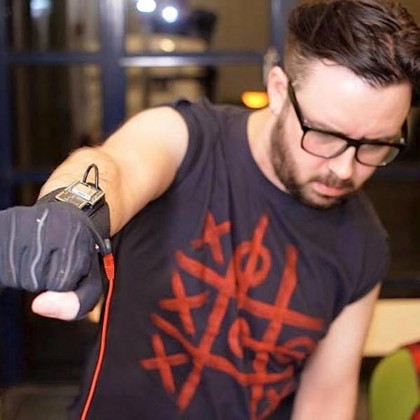 Kris Haplin with MiMu gloves