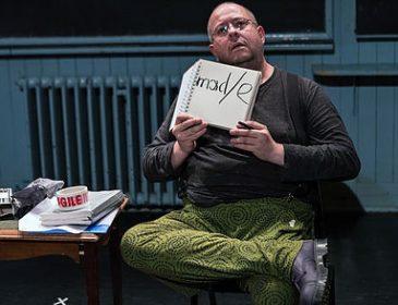 Photo of performance artist Sean Burn