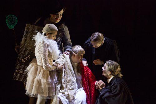 Moomsteartern's A Dream Play © Bodil-Johansson