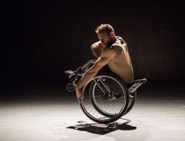 Candoco dance company solo dancer