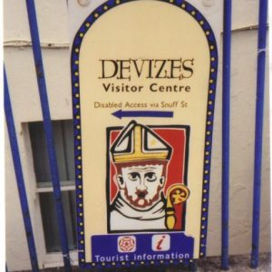 Photo of a sign in Devizes advising disabled access via Snuff St