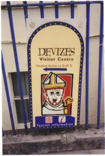 photo of a sign in Devizes advising disabled access via Snuff St.